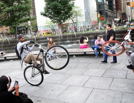 11 IMG_9958 7D bicycle stunts