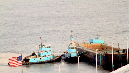 04 IMG_8541 7D working tugs