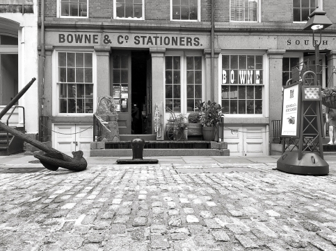 Established by Robert Bowne in 1775, Bowne Stationers grew as a financial printer throughout the 19th and 20th centuries. In 1975, Bowne & Co. Inc. partnered with South Street Seaport Museum to open a 19th-century-style print shop at 211 Water Street in the historic Seaport district.