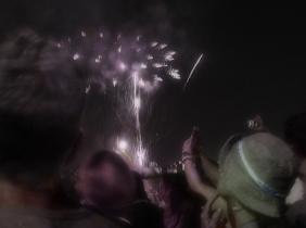 Synchronized flares