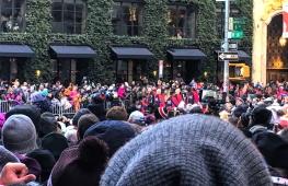 IMG_6727 crowds at parade