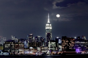 IMG_8917 7D moon over manhattan SM