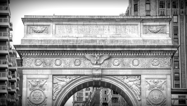 20170401 IMG_8051_7D EF18-135 Arch at Washington Square Park sm